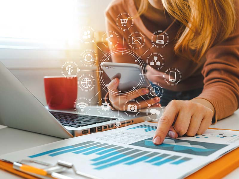 Reporting réseaux sociaux d'entreprise - La Social Room